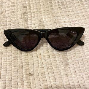 MVMT Black Cat Eye Sunnies